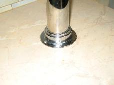 Пример пятки столешницы и стойки
