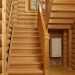 фото установки деревянных лестниц