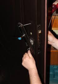 Картинка Мастер по ремонту металлических дверей