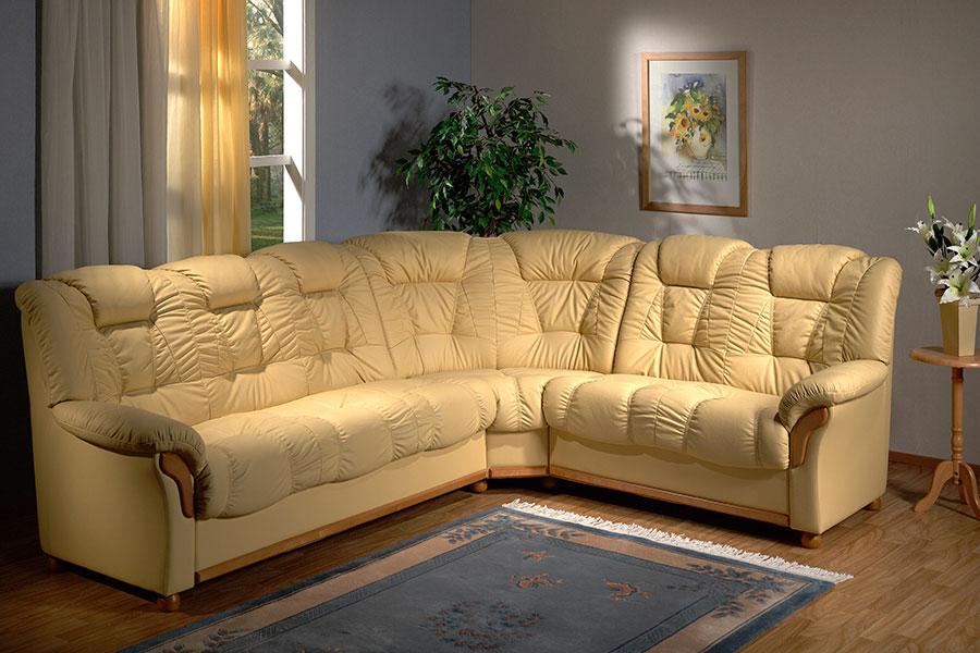 Удобный-кожанный-диван