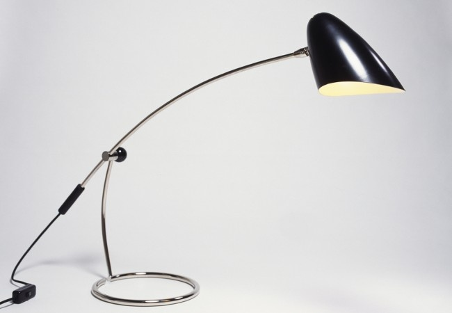 656b01f91109cecb8b9b0fa37c99dc41--arc-lamp-office-desks