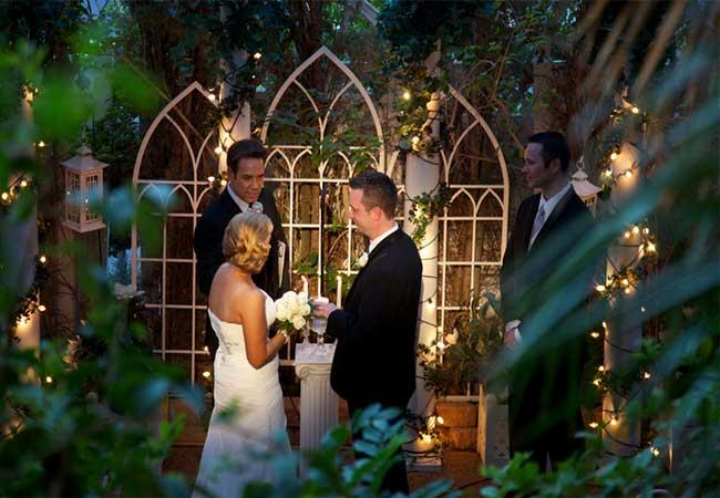 v.-Unique-Outdoor-Wedding-in-Las-Vegas